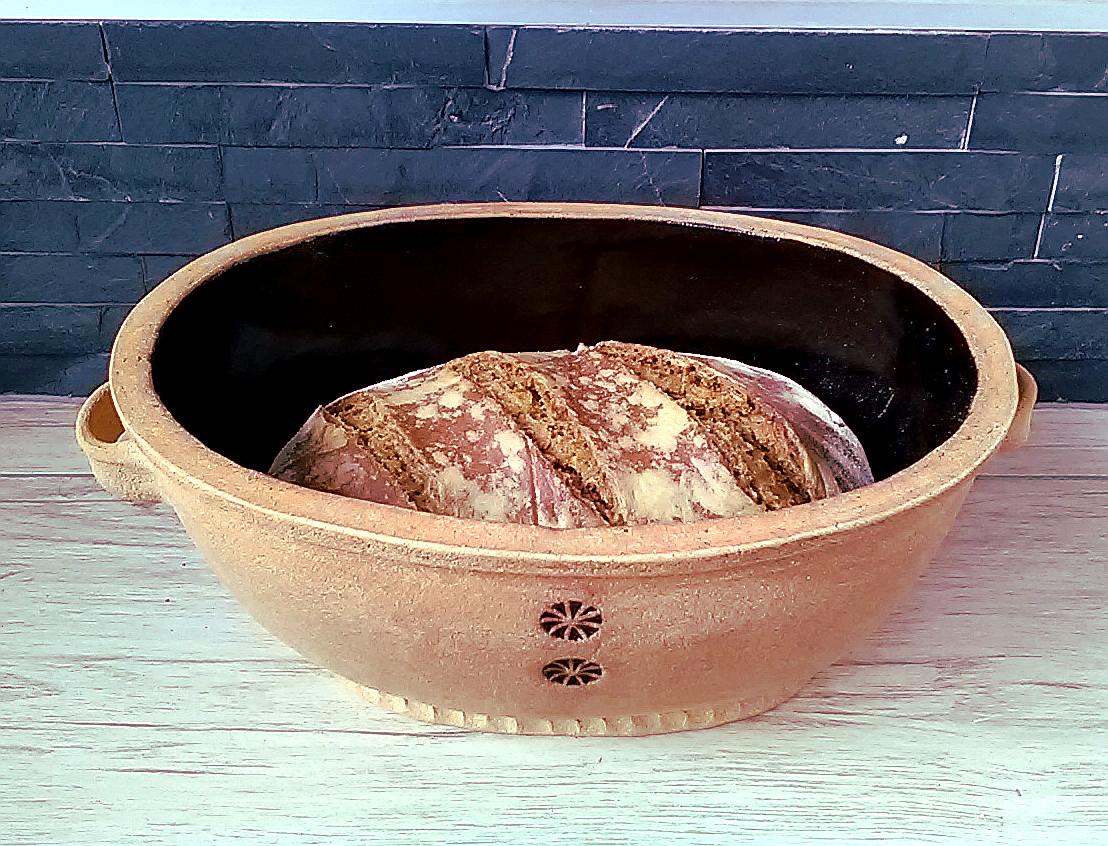 Chleba z kameninové formy. Recept na chleba. Chleba pečený v horkovzdušné troubě na 220°C.