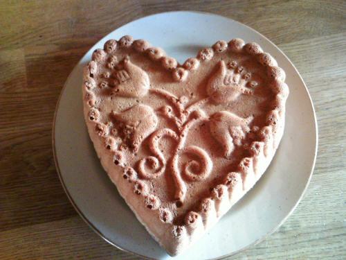 Srdce z kameninové formy. Recept na srdce. Srdce pečené v horkovzdušné troubě na 180°C.
